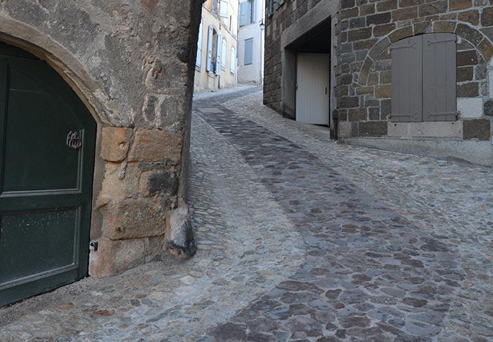 Le Puy en Velay - Rue pavée