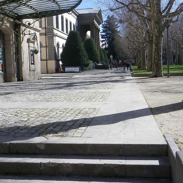 Le palais de justice du Puy en Velay - Réalisation pavage STPP