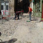 Travaux de pavage place de la mairie au Puy en Velay